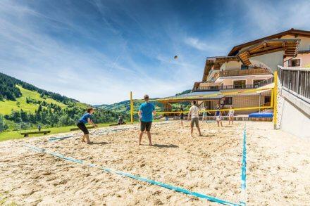 Beachvolleyballplatz - Jugendhotel Saringgut, Jugendherberge in Salzburg