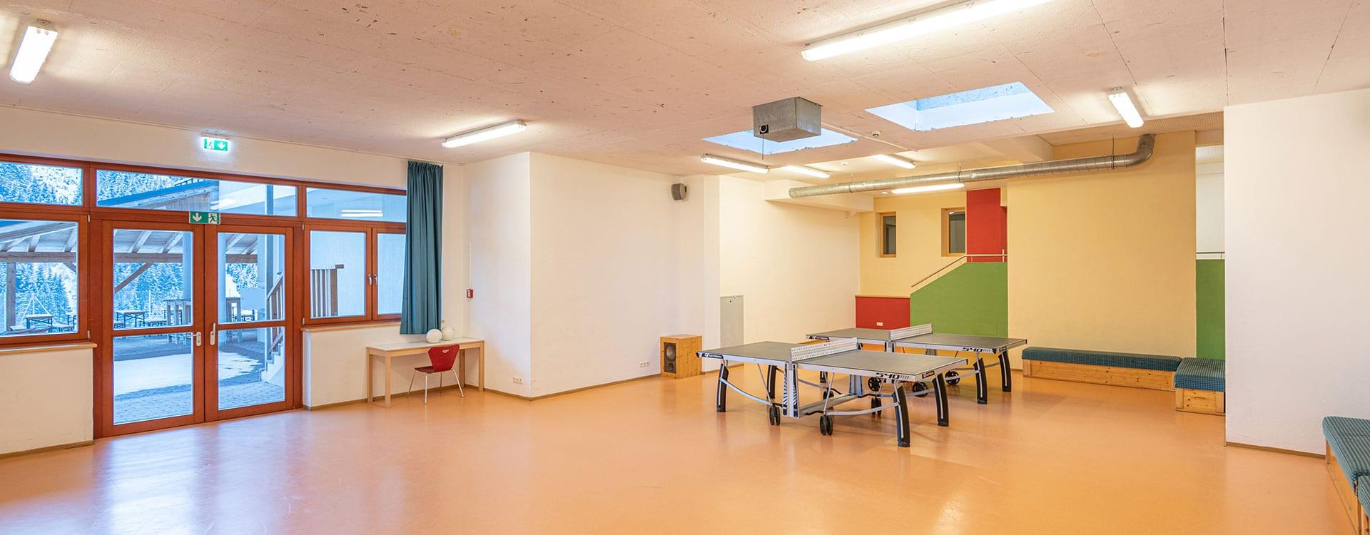 Multifunktionshalle im Jugendhotel Saringgut, Wagrain, Salzburg